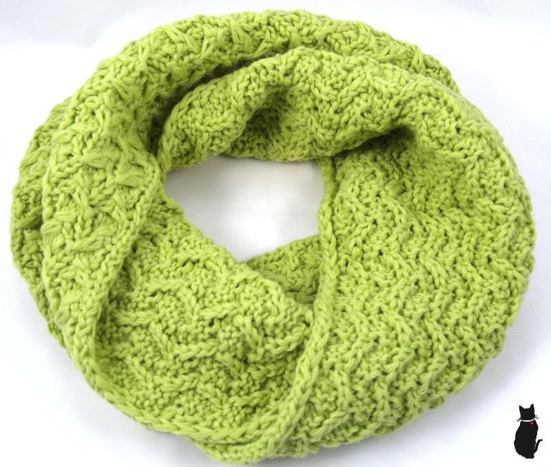 e72c679d3878 Capu pletená dámská šála zelená